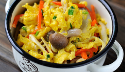 Get cooking: Scrambled eggs with fresh mushrooms and carrot slices