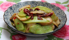 Recipe: Stir-fried King oyster mushroom with cucumber slices