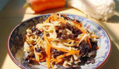 Ideal fat-reducing eats: Fried Enoki mushrooms with Black fungus and carrot